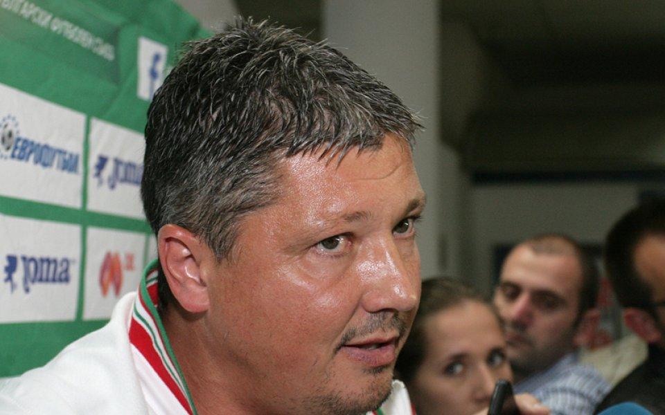 Венци Стефанов: Любо Пенев загуби битката, защото бе далече от футболистите