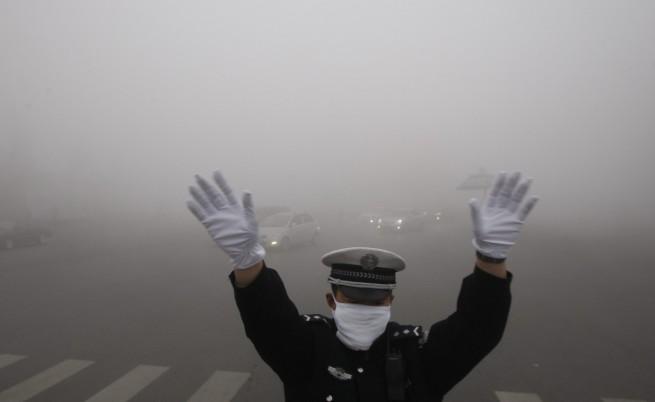 САЩ и Китай обещаха да замърсяват по-малко