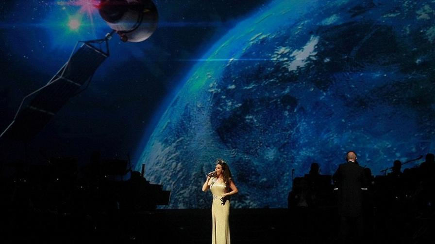 Сара Брайтман – обсебена от Космоса (фотогалерия)
