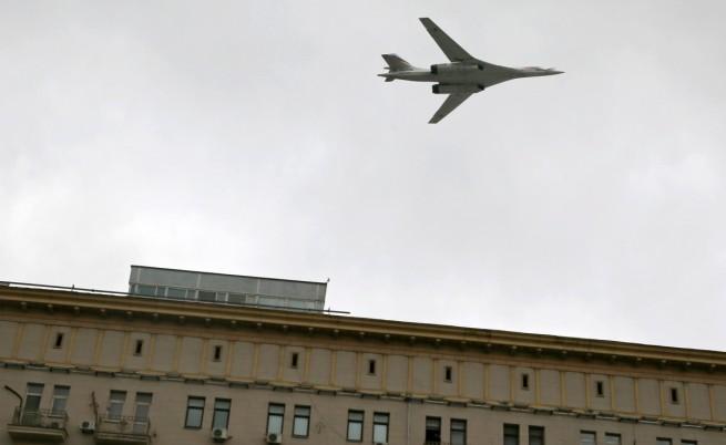 Руски бомбардировачи ще патрулират край бреговете на Северна Америка
