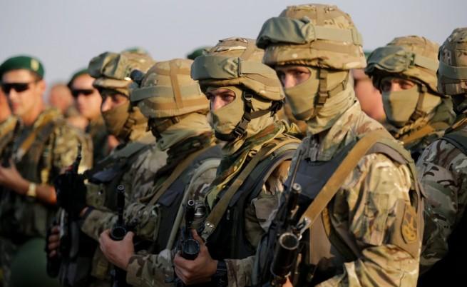 Яценюк: Основната ни цел е силна армия, която да възпира Русия