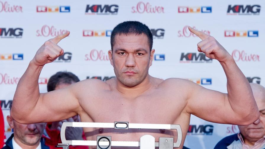 Големият бокс идва в София