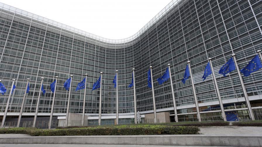 България сезира ЕК за въведения от Гърция данък от 26% за сделки и транзакции с източник България
