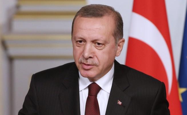 Невъзможно е да се подмине просто така ужасният сексизъм на турския президент