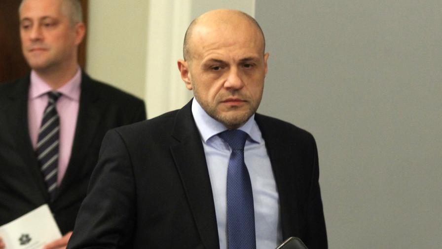 Дончев: Граждани и партии могат да си търсят правата