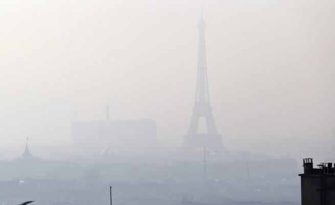 Обмислят забрана на дизеловите коли в Париж