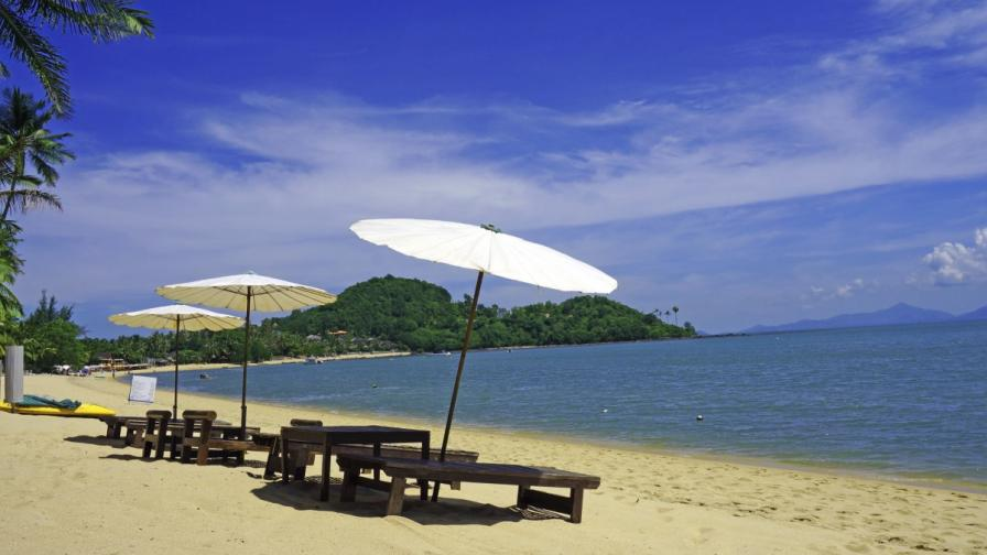 Без шезлонги по обществените плажове в Тайланд