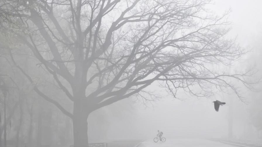 Въздухът в много градове остава мръсен заради мъглите