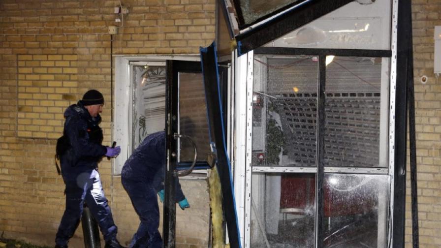 Две експлозии на коли бомби разтърсиха шведския град Малмьо