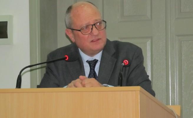 Танев иска университет за третата възраст