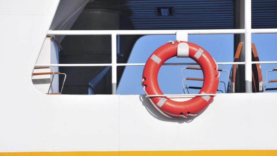 Деветима българи може да са на горящия ферибот