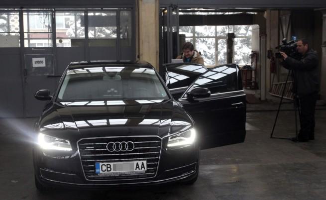 НСО показа новите автомобили на властта