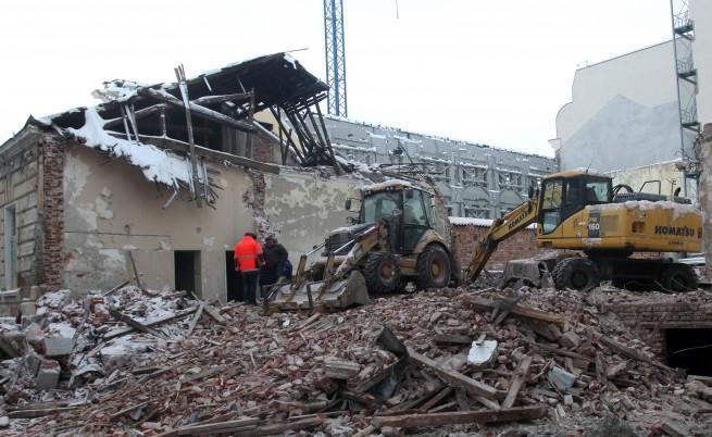 """При инцидент на строителен обект бе разрушена каса на Зала """"България"""""""