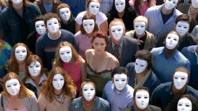 лицемерие мистерия маска общество