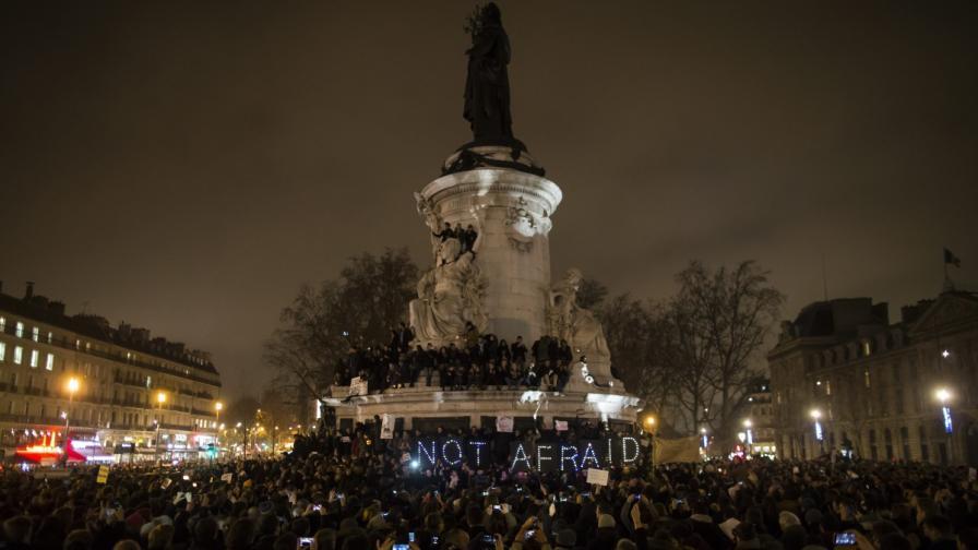 "Хиляди организираха бдения по света заради ""Шарли ебдо"""