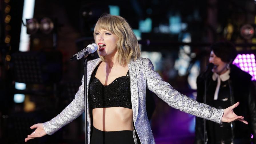 """Суифт отново оглави класацията на """"Билборд"""" за албуми"""
