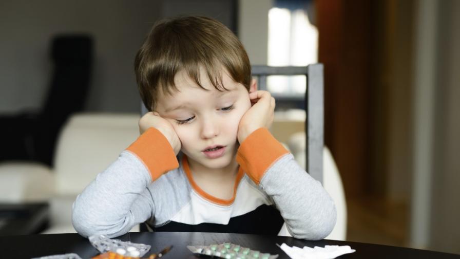 Родителите да не приемат лекарства пред децата си