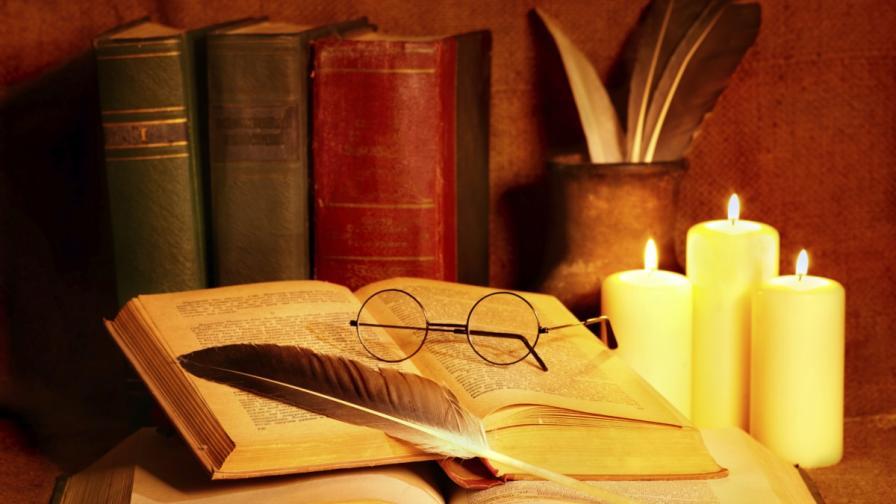 <p>Вълшебни скулптури, с които книгите оживяват (СНИМКИ)</p>