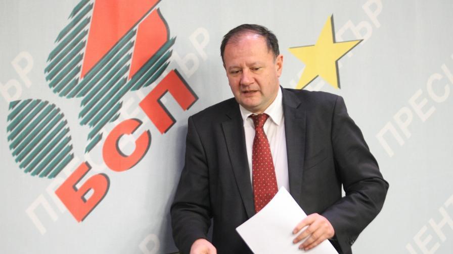 Миков: Това правителство е вредно за България