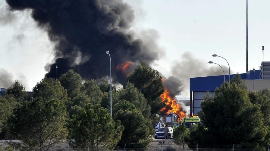 10 загинали, след като гръцки изтребител се разби в Испания