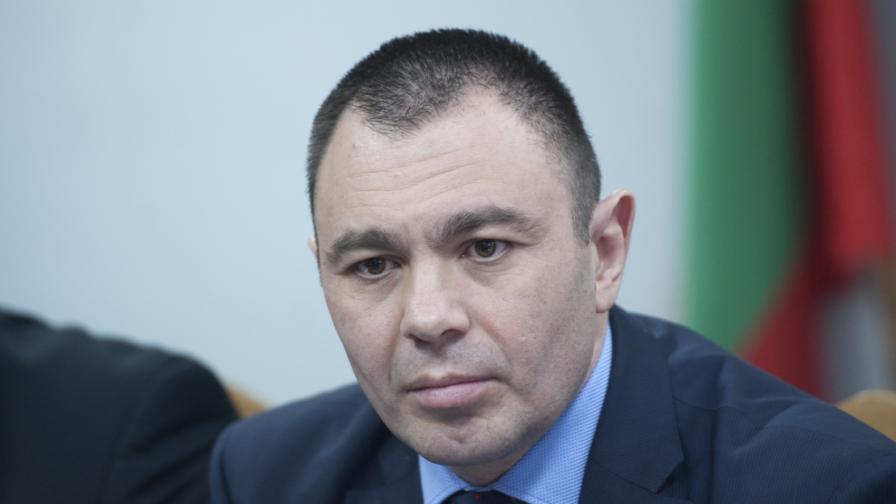 "Лазаров, Писанчев и Йовчев: Партия ""клати държавата"""