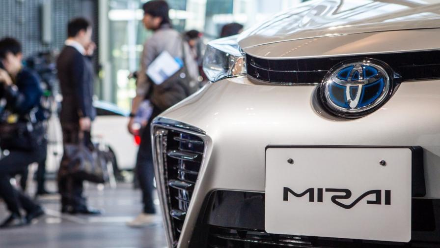 """""""Тойота"""" увеличава 4 пъти производството на """"Мирай"""""""