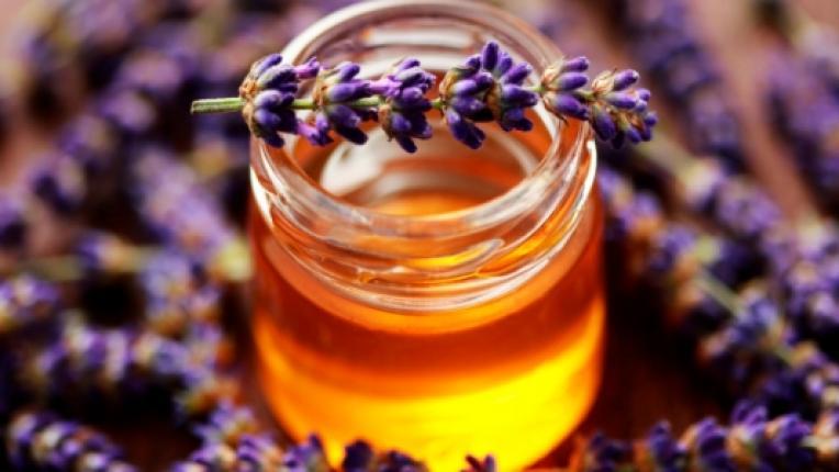 Кои здравословни проблеми може да излекувате с мед и канела