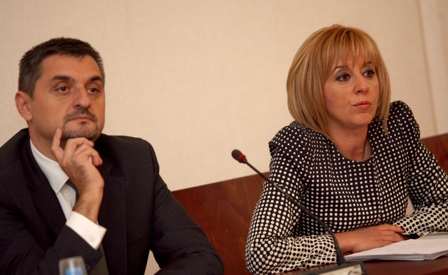 Мая Манолова и Кирил Добрев строят мол на идеи в БСП