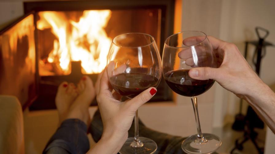 Защо обичаме да седим край огън?