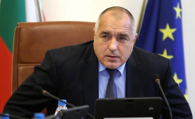 Борисов обеща да съгласува с НС всяко решение за война