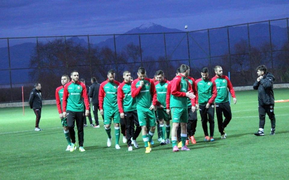 СНИМКИ: Играчите на Левски и ЦСКА подсилиха националния