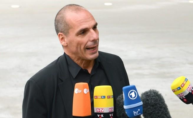 ЕЦБ затегна примката около гръцкото правителство