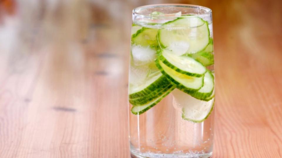 Започнете деня с вода с краставица
