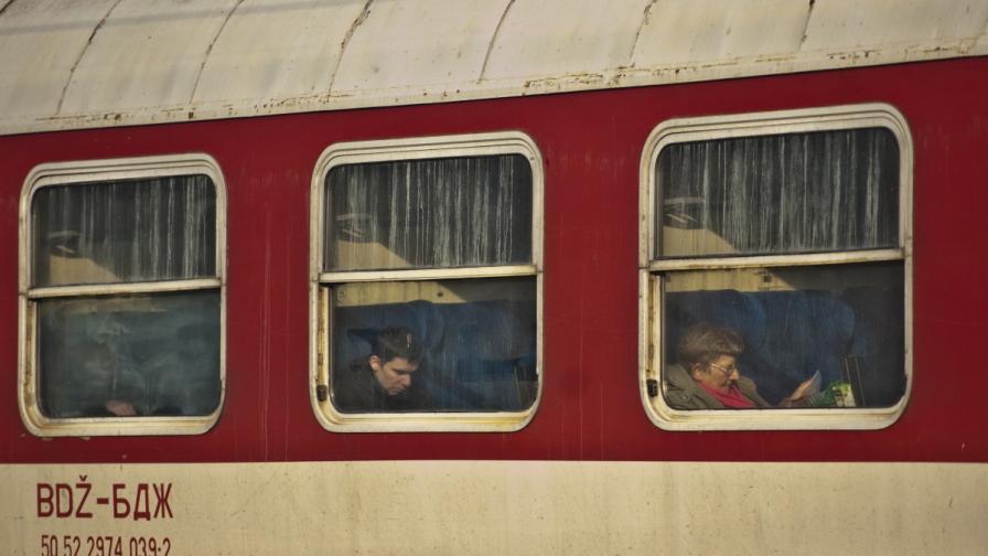 От БДЖ обещаха да чистят влаковете всеки ден