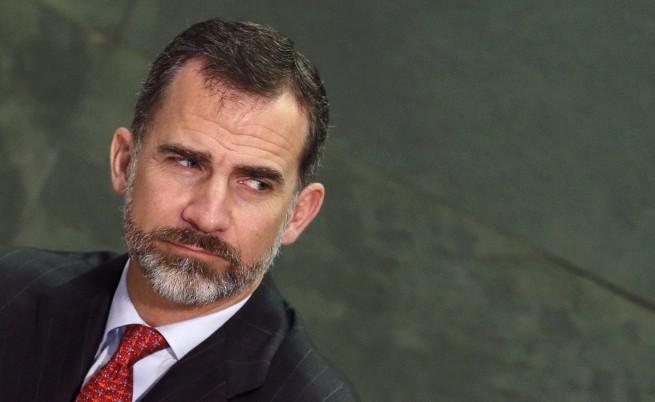 Испанският крал Фелипе VI намали заплатата си с 20%