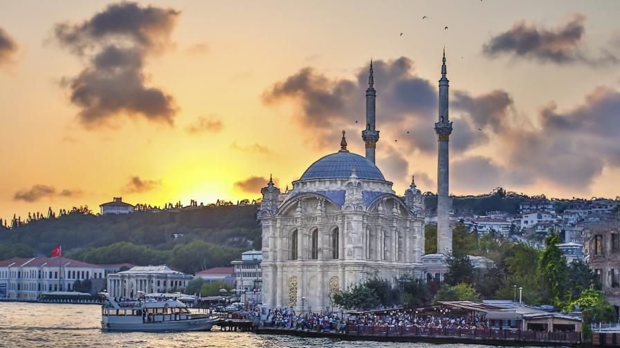 Продават 1300 хотела в Турция след срив в туризма