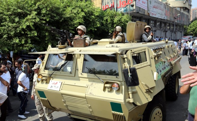 Египет не изключи възможността за изпращане на сухопътни войски в Либия