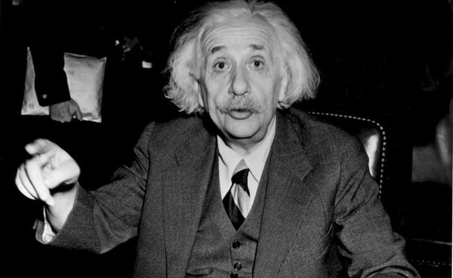 Дневници на Айнщайн разкриват тъмната му страна
