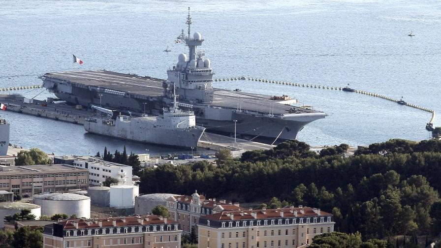 """Франция изпраща самолетоносача """"Шарл де Гол"""" срещу ИД в Ирак"""