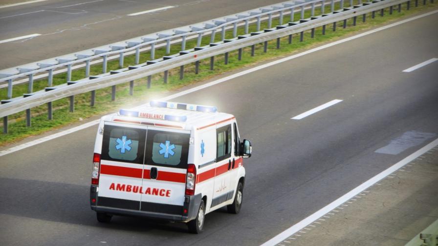 Катаджии глобиха линейка, задето бърза за пациент