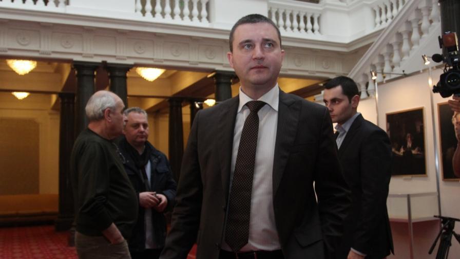 Депутатите решават за новия заем от 16 млрд. лв.