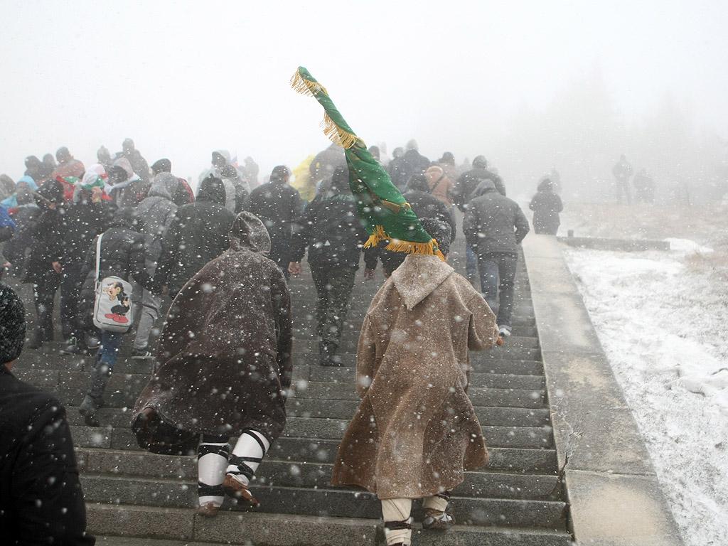 Десетки хиляди признателни българи посетиха паметника на връх Шипка