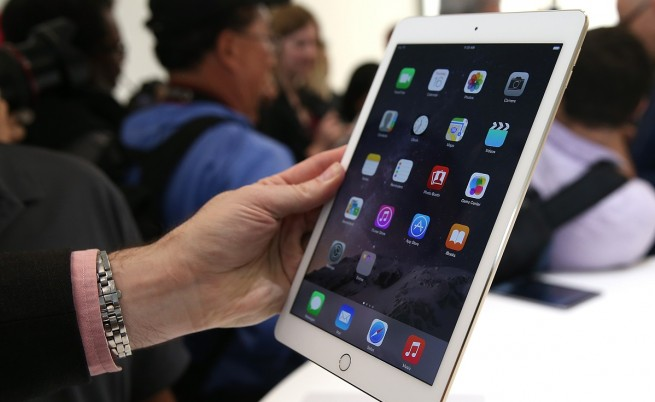"""Блумбърг: """"Епъл"""" ще отложи производството на по-голям iPad"""