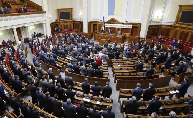 Украйна ще увеличи армията си с една трета
