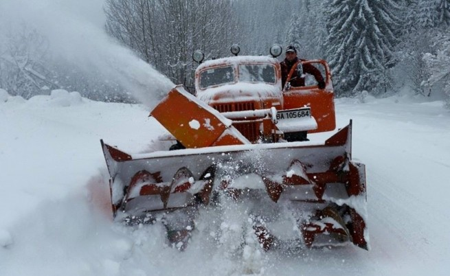 България остава в плен на снега