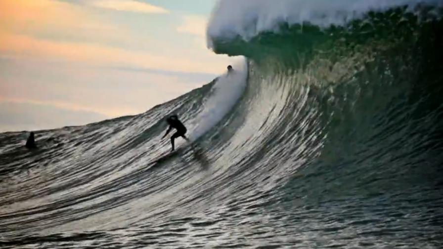 Как се кара сърф на... токчета (видео)