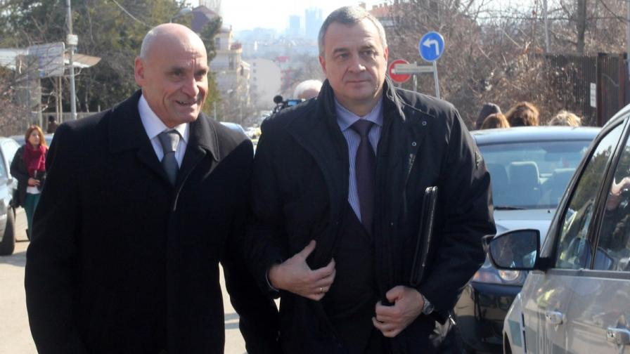 Цветлин Йовчев с адвоката си