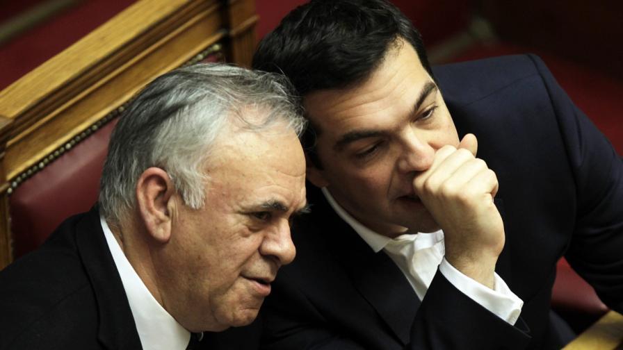 Гръцкият вицепремиер: Парите ни свършват
