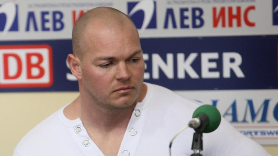 Откриха мъртъв олимпийския ни шампион по щанги Милен Добрев