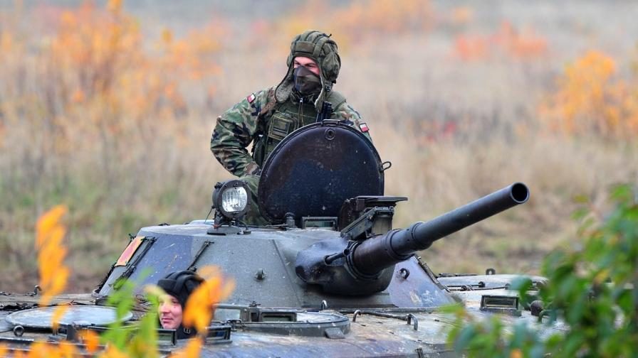 В Полша свикват резервисти за задължителни военни учения